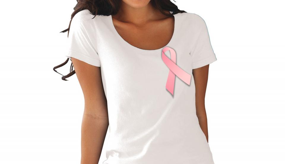 Изображение девушки с розовой лентой